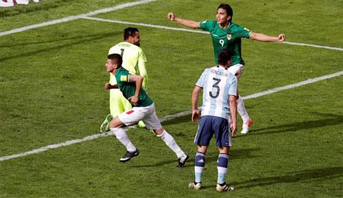 vang-messi-argentina-tay-trang-o-vong-loai-world-cup-2018-1