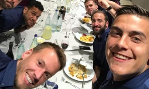Juventus mở tiệc sau khi vượt qua Barca