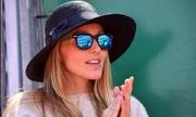 Vợ bầu đến sân cổ vũ Djokovic