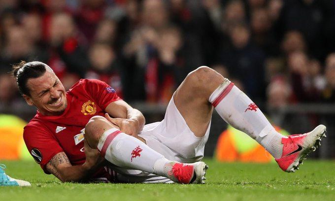 Ibrahimovic dính chấn thương nặng, có thể nghỉ đến hết mùa