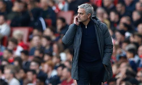 mourinho-bo-ngoai-hang-anh-dat-cuoc-tat-ca-vao-europa-league
