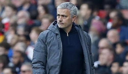 mourinho-chang-co-gi-la-danh-cuoc-khi-tap-trung-vao-europa-league