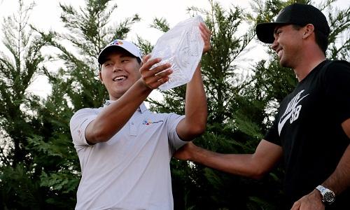 golfer-han-quoc-lap-nhieu-ky-luc-khi-vo-dich-players-championship