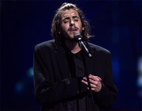 ca-si-vo-dich-eurovision-2017-nguoi-hung-la-ronaldo-chu-khong-phai-toi