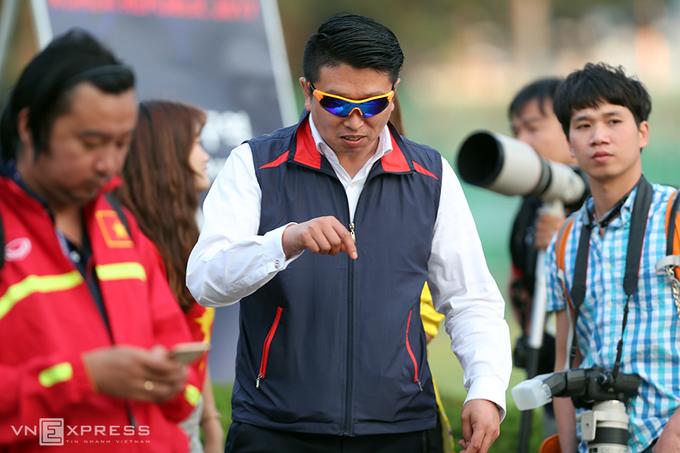 U20 Việt Nam tập kín, xua đuổi CĐV