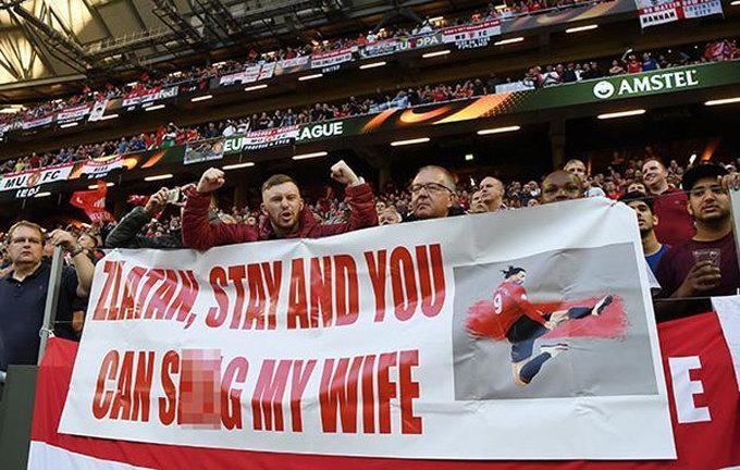 CĐV Man Utd dâng vợ để thuyết phục Ibrahimovic ở lại