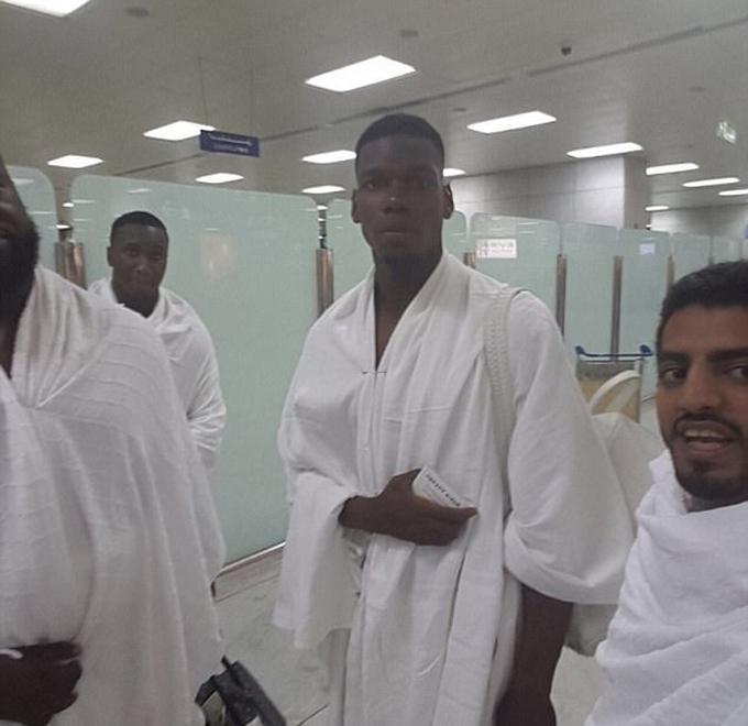 Pogba hành hương tới thánh địa Mecca của Đạo Hồi