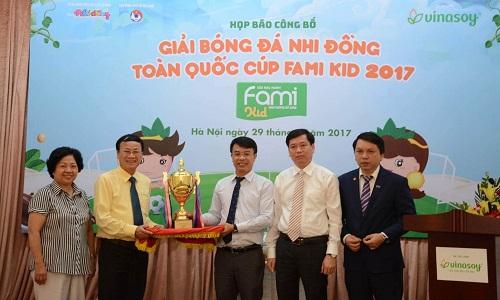 giai-bong-da-nhi-dong-toan-quoc-2017-dien-ra-tai-da-nang