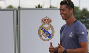 Ronaldo: 'Nhún nhường quá không tốt, phải chứng tỏ ai giỏi nhất'