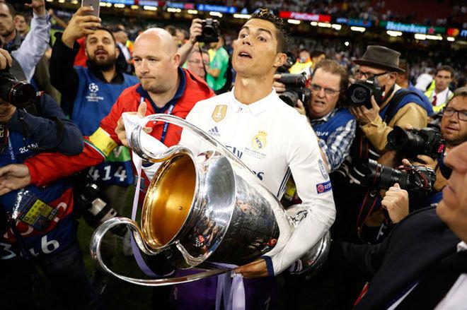 Ronaldo đoạt thêm chín danh hiệu chỉ trong 372 ngày
