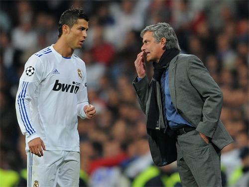 mourinho-phan-doi-viec-dua-ronaldo-tro-lai-man-utd