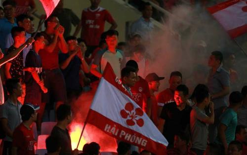 cdv-hai-phong-bi-cam-den-san-khach-het-mua-v-league-2017