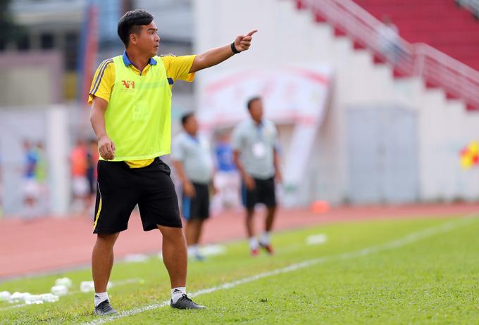 Đội bóng của cựu danh thủ Nguyễn Việt Thắng vào chung kết U17