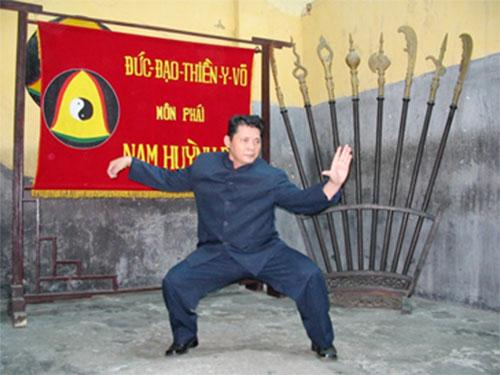 vo-su-huynh-tuan-kiet-lap-phai-tu-chuyen-mot-chiec-ao