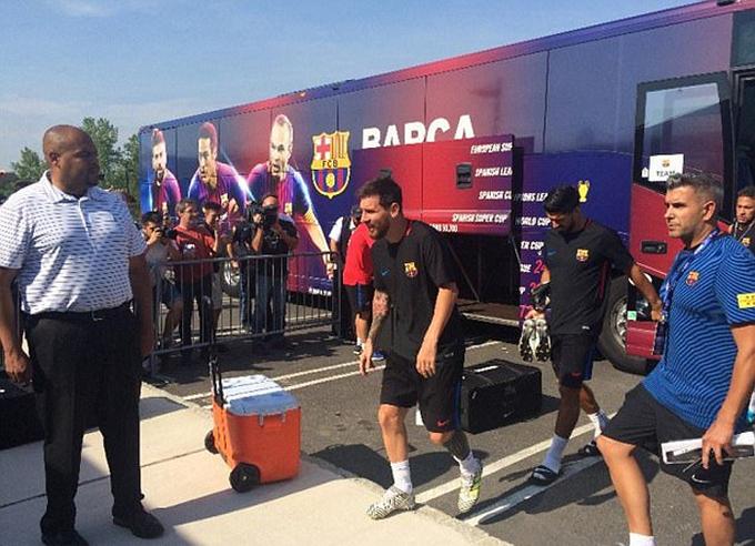 Neymar du đấu với Barca, bất chấp tin đồn về PSG