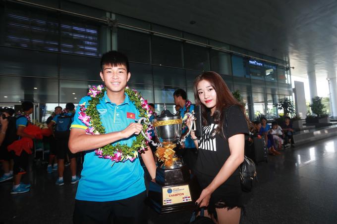 U15 Việt Nam mang chức vô địch Đông Nam Á từ Thái Lan về