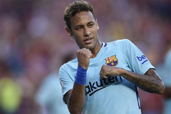 neymar-ghi-ban-thu-ba-trong-hai-tran-barca-danh-bai-man-utd-page-2-1