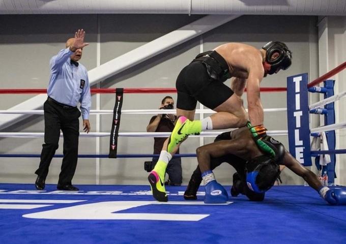 McGregor doạ kết liễu Mayweather bằng đòn hiểm của MMA