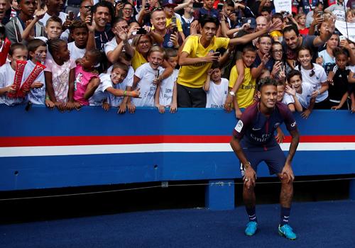neymar-nha-vua-o-san-cong-vien-cac-hoang-tu-1