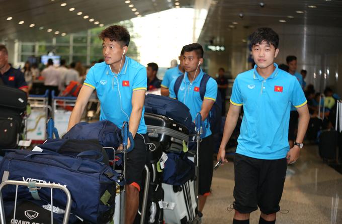 U22 Việt Nam đổ bộ xuống Kuala Lumpur, bắt đầu chiến dịch SEA Games 29