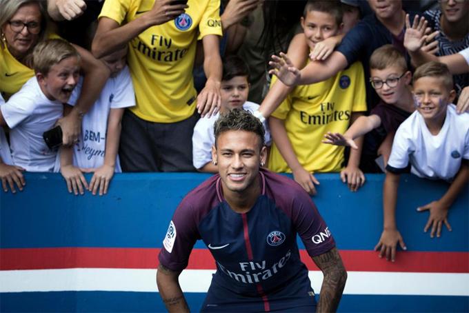 Neymar đối diện nỗi ám ảnh của các thương vụ kỷ lục