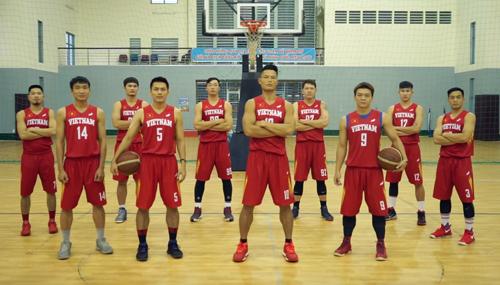 Đội tuyển bóng rổ quốc gia Việt Nam trong trang phục của nhà tài trợ Hemero