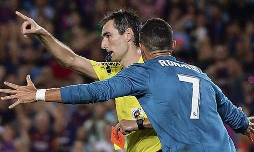 Ronaldo thẻ đỏ