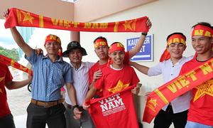 CĐV đến sân sớm bốn tiếng để cổ vũ U22 Việt Nam