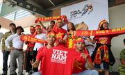CĐV ở Malaysia háo hức cổ vũ U22 Việt Nam