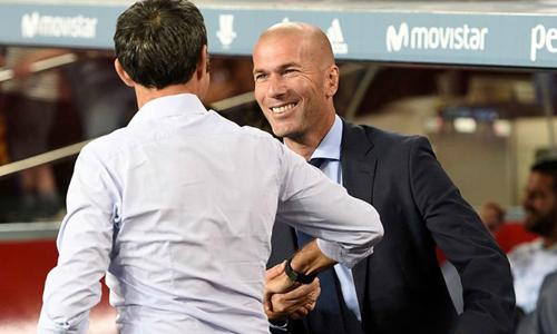 Zidane có thể bị phạt vì bênh Ronaldo