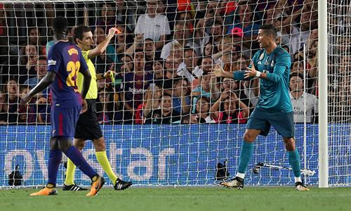 Ronaldo: 'Án phạt dành cho tôi là ngược đãi'