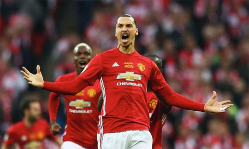 ibrahimovic-tro-lai-man-utd-khoac-ao-so-10