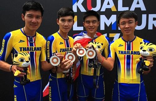 doi-dua-xe-dap-malaysia-bi-nghi-di-duong-tat-de-gianh-hc-vang-sea-games