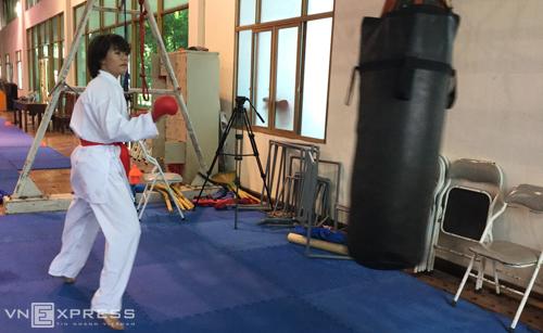 nguyen-thi-ngoan-tu-phim-kiem-hiep-den-chuc-vo-dich-karate-the-gioi-1