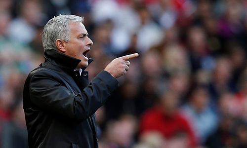 mourinho-man-utd-ghi-nhieu-ban-muon-vi-doi-thu-phong-ngu-sau