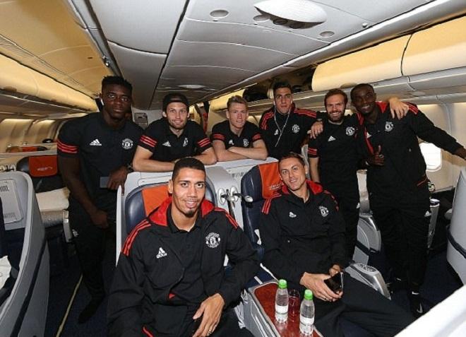 Man Utd di chuyển hơn 5.000 km để đá Champions League