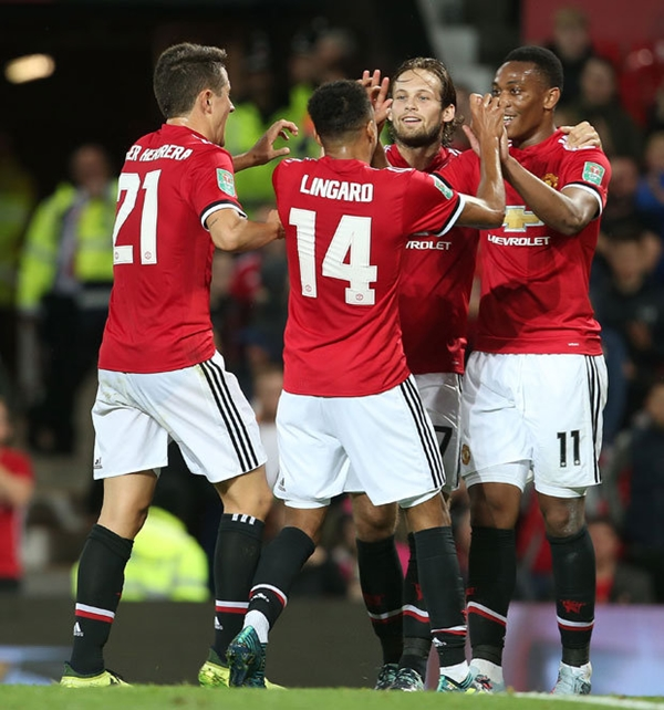 Manchester-United-1089411-2568-150659496