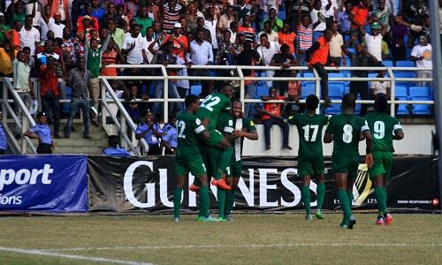cau-thu-cua-arsenal-lap-cong-nigeria-doat-ve-world-cup-dau-tien-o-chau-phi