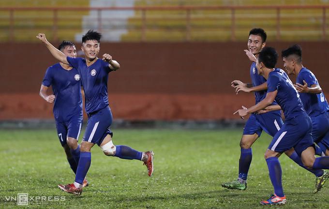 Công Vinh giúp bóng đá Bà Rịa-Vũng Tàu lên chuyên