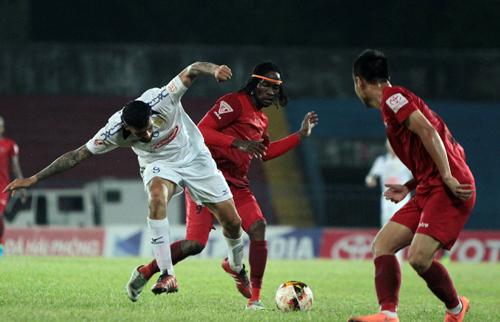 ban-to-chuc-v-league-cong-vinh-khong-the-doi-tu-bo-tien-thue-trong-tai-1