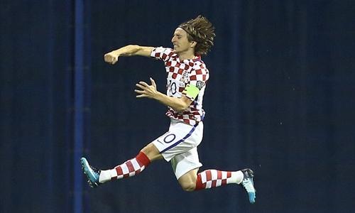 croatia-thang-dam-cham-mot-tay-vao-ve-du-world-cup