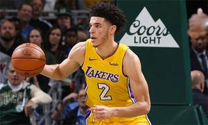 Lonzo Ball xô đổ kỷ lục của LeBron James
