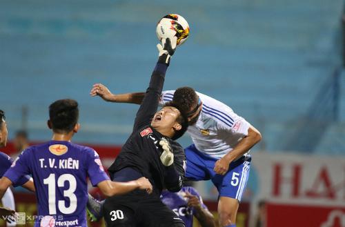 nhung-kich-ban-kho-luong-cho-chuc-vo-dich-v-league-2017-1