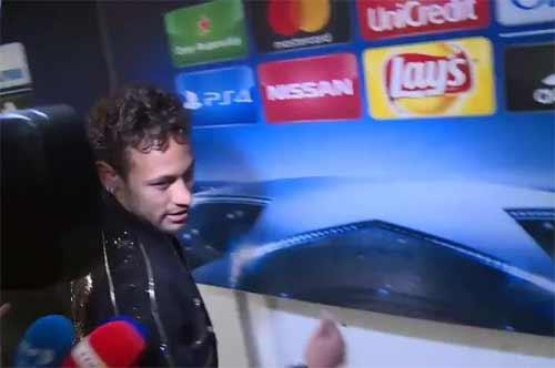 neymar-vang-tuc-khi-duoc-hoi-ve-chuyen-gia-nhap-real