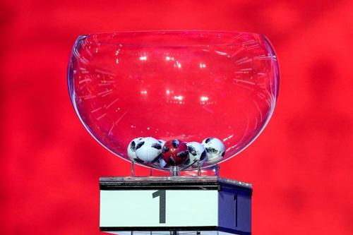 vi-sao-le-boc-tham-world-cup-2018-bi-nghi-ngo-dan-xep-2