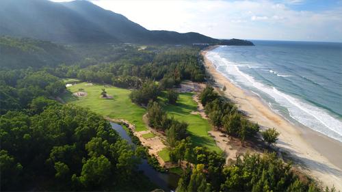 laguna-lang-co-noi-mang-golf-den-gan-hon-voi-cong-dong-1