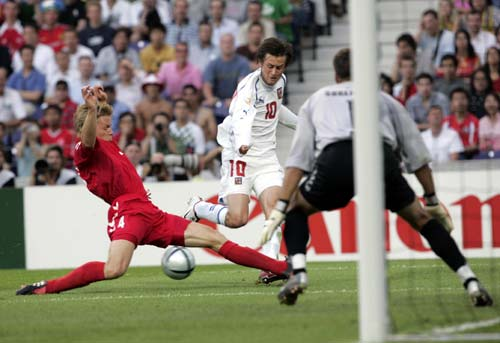 Rosicky ở Euro 2004. Ảnh: Action Images.