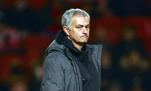 Người hâm mộ đã mất kiên nhẫn với Mourinho. Ảnh: PA.
