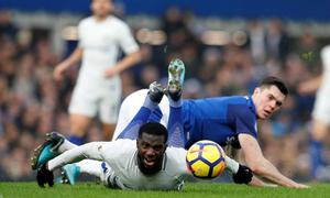 Chelsea bất lực trước 'xe bus' Everton
