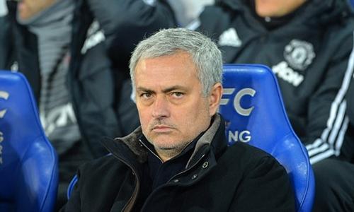 Mourinho đang bị nhiều sức ép sau chuỗi trân không thành công. Ảnh: PA.